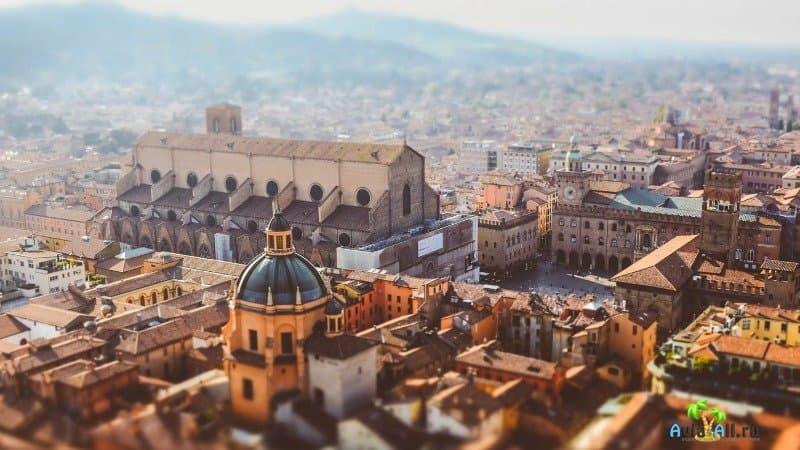 Болонья, Италия (фото)