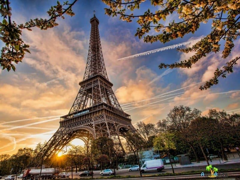 Эйфелева башня - национальная гордость Франции. История создания2