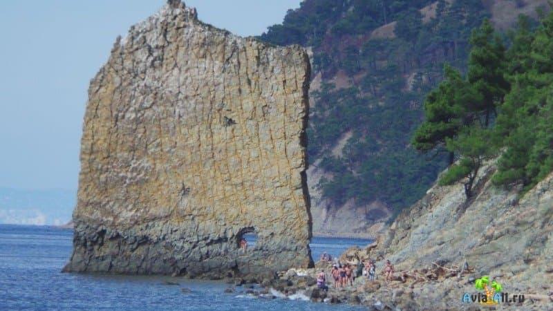 Дивноморское скала Парус