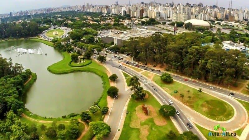 Парк Ибирапуэра Сан-Паулу