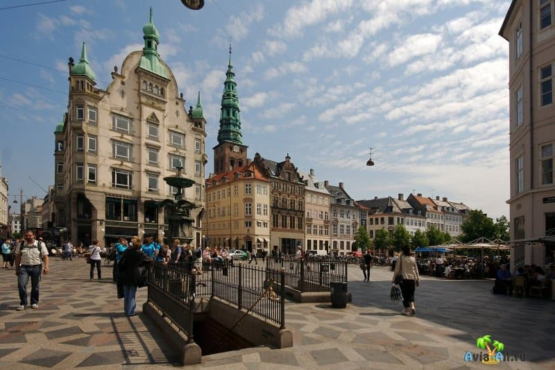 Неспешный променад по пешеходной улице Строгет, в центре Датской столицы4