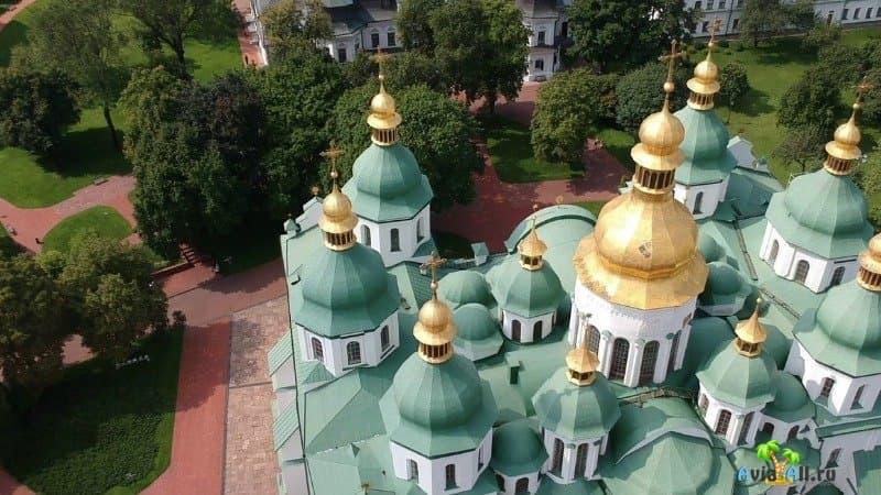 Фото куполов Софии Киевской