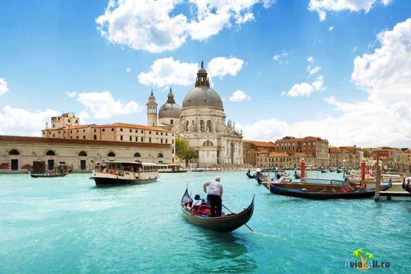 Особенности путешествия в Венецию. Где остановиться? Что посетить в популярном городе Италии?2