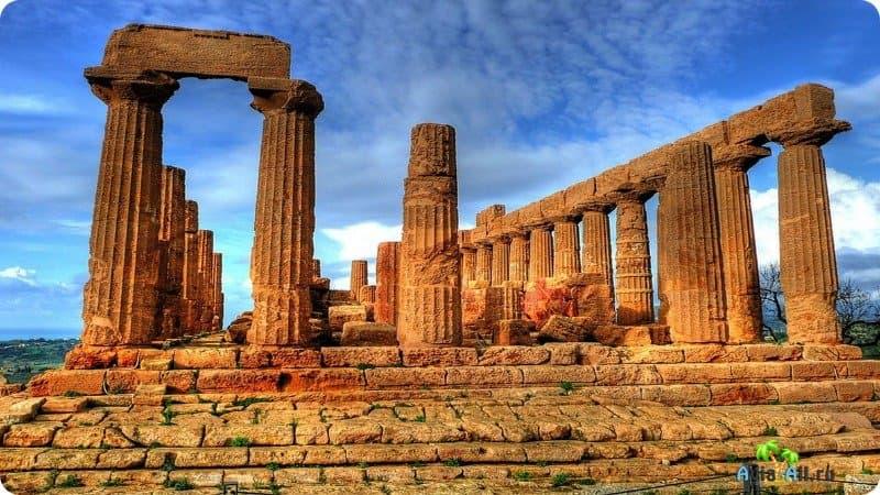 день вас фотографии памятников агридженто и их название этой статье