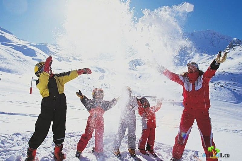 Куда поехать с детьми на зимние каникулы 2021?