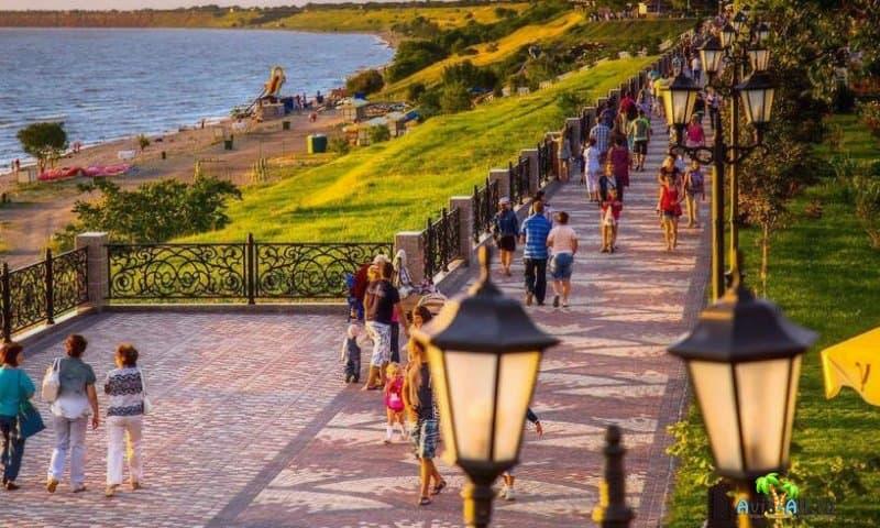 Набережная в Ейске. Азовское море